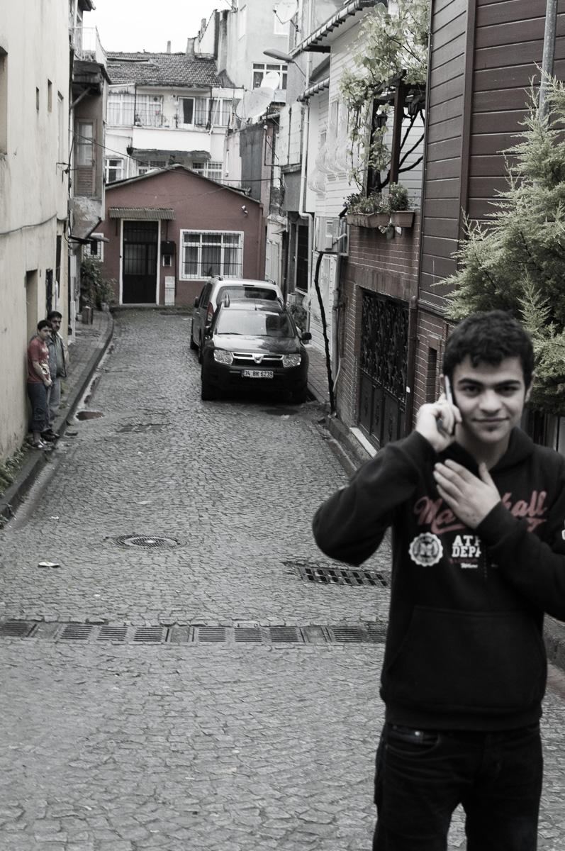 Aan het bellen midden op straat