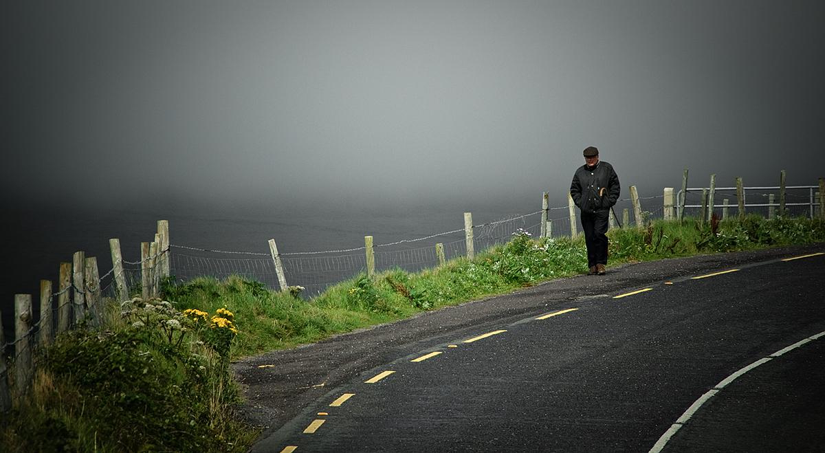 Wandelen in Ierland | Man in de mist