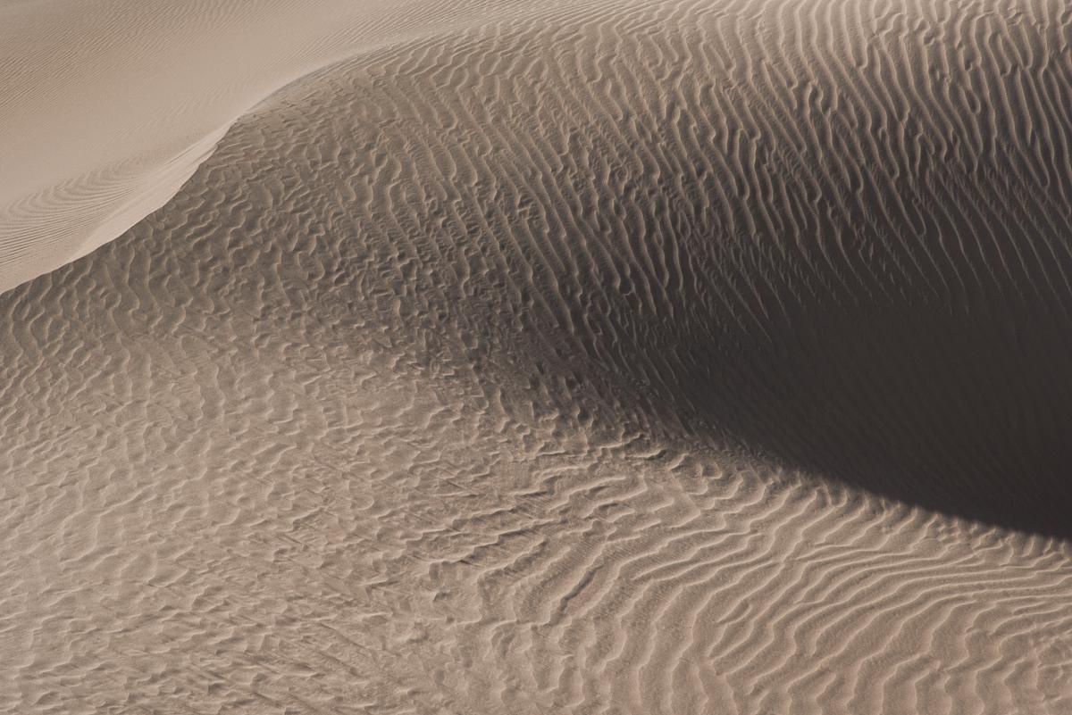 Detail van een zandduin in Iran