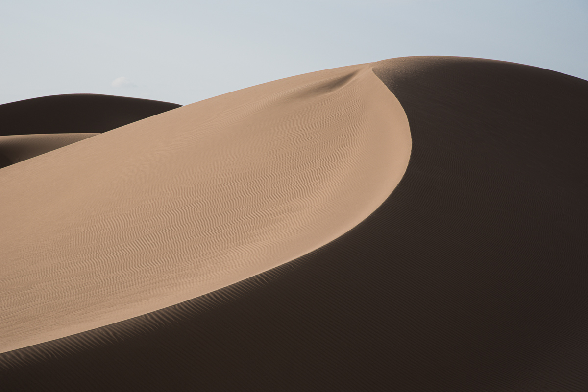 Zandduinen in de Grote Zoutwoestijn in Iran